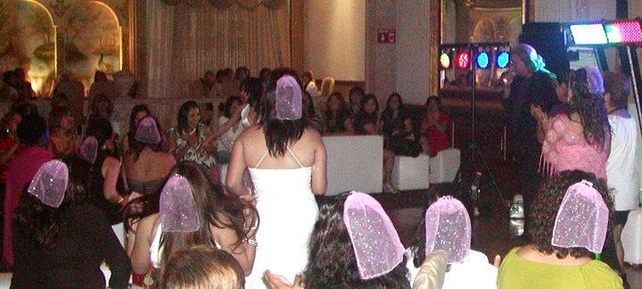 Presentaciones comediante sergio show para todo mexico s29 for Capitolio eventos jardin